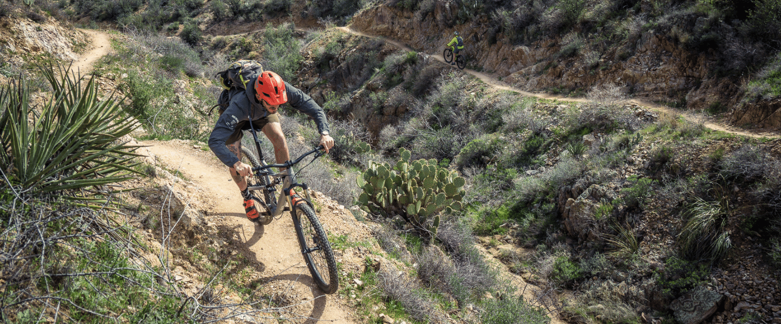 Rider enjoying Arizona singletrack.