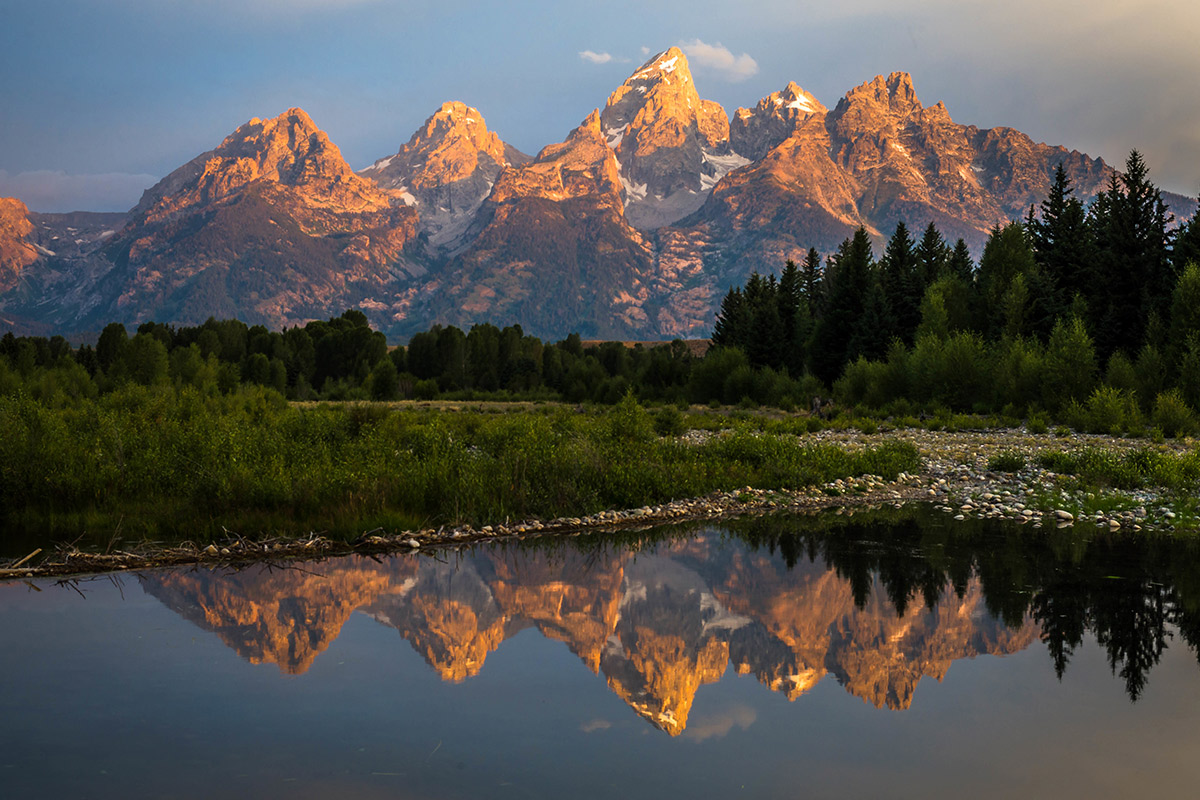 Picture of the Grand Teton in WY.